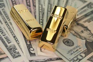 dollar and gold unorthodox correlation