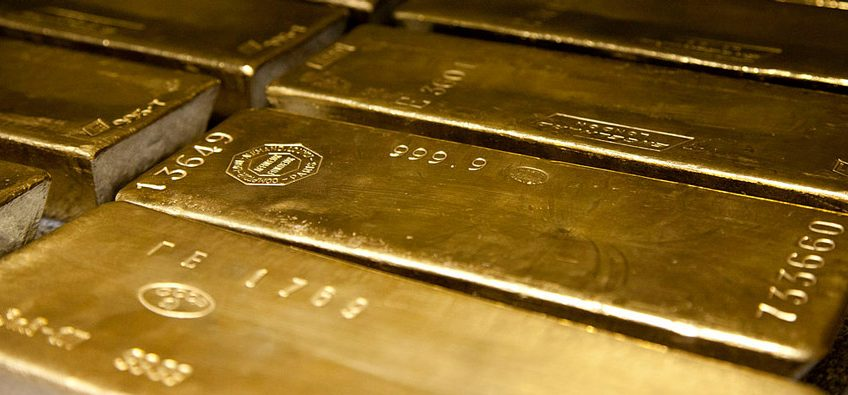 Gold hovering over $1300