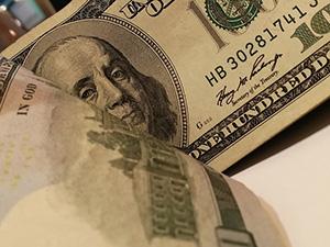 Strong Dollar Tug of War
